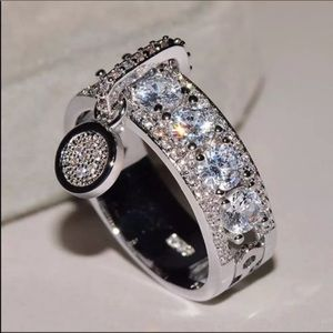 New 925 Silver Round Diamonds Drop Band Ring